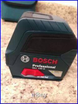 Bosch GLL 100 GX Green-Beam Self-Leveling Cross-Line Laser with mounting kit