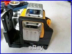 DEWALT 12V MAX 3 x 360 Degrees Green Line Laser DW089LG with2 BATTERY & CHARGER