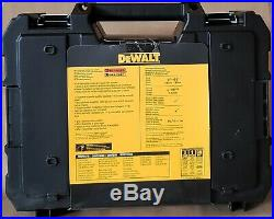 DEWALT DW0886K (DW088K Cross Line Laser Level + DW065E 65 Ft Distance Measurer)