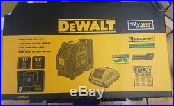 DEWALT DW088LG Self-Leveling Cross Line Green Laser Levelling Leveler w Battery