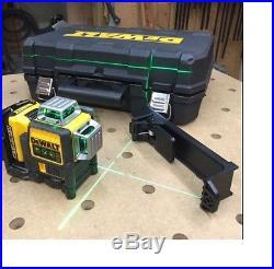 DEWALT DW089LG Self-Leveling 3-Beam Line Green Laser Levelling Leveler w Battery