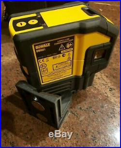 Dewalt DW0851 Red Laser Self Leveling 5 Spot Beams and Horizontal Line with Case